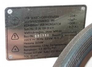 Bild 2: Typenschild WM66, hier ein Modell mit Laugenpumpe