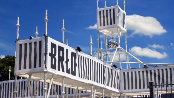 BRLO–Pairing is Caring Bier und Speisen am Berliner Gleisdreieck