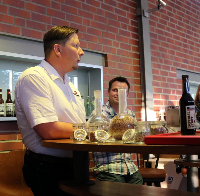 Hans-Georg bei der Brauereiführung